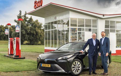 Toyota ATS Nieuwegein levert waterstofauto Mirai aan directeur Koninklijke Nederlandsche Automobiel Club